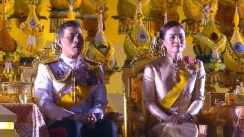ในหลวง-พระราชินี เสด็จฯจุดเทียนมหามงคล ถวายราชสดุดีและน้อมรำลึก น้อมรำลึก ร.9